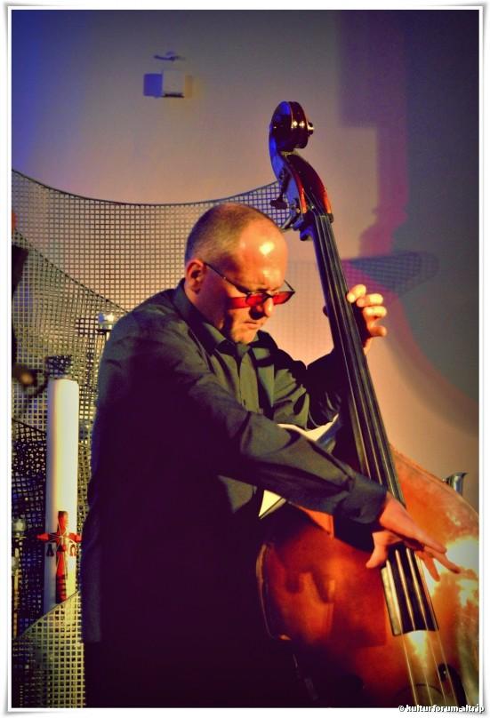 Jarek Wikosz, Double Bass